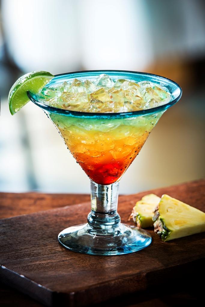 tropical sunrise margarita Chili's promoción de verano oferta 2x1