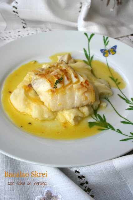 Bacalao Skrei,baclao,salsa de naranja salada