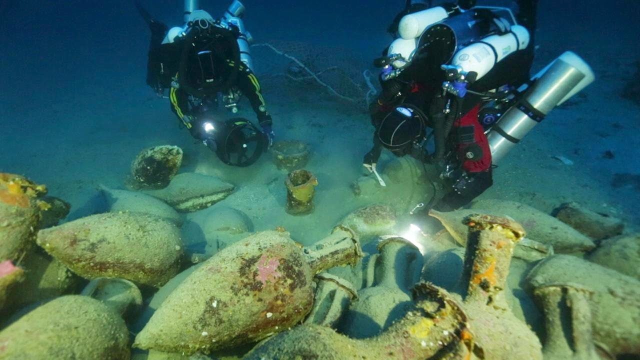 Greek shipwreck discovered near Aeolian Islands