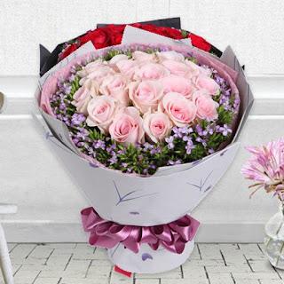 Hand Bouquet Valentine