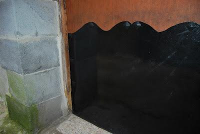 Acabado del escudo de puerta.