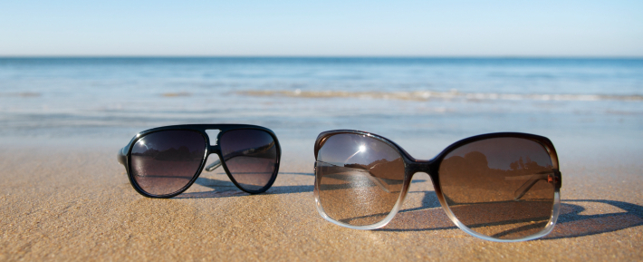 85c0214032b Don t Choose Dark Lenses  When you going to buy Beach Sunglasses don t  choose Dark lenses because it can reduce the clarity of your vision and  change the ...