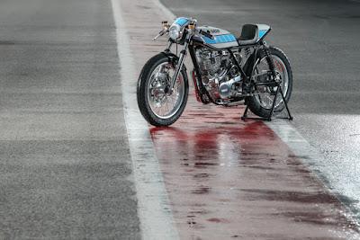 Yamaha SR 400  by Fred Krugger