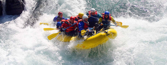 How White-Water Rafting Can Help You Raft through Corporate Problems!