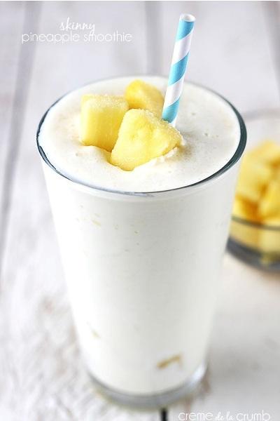 Skinny Pineapple Smoothie. Bahan: pisang, santan kelapa, nanas, yogurt.