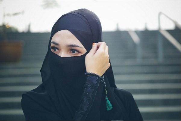 Wahai Wanita Muslimah Ketahuilah 5 Adab Wajib Bagi Kamu Sekalian