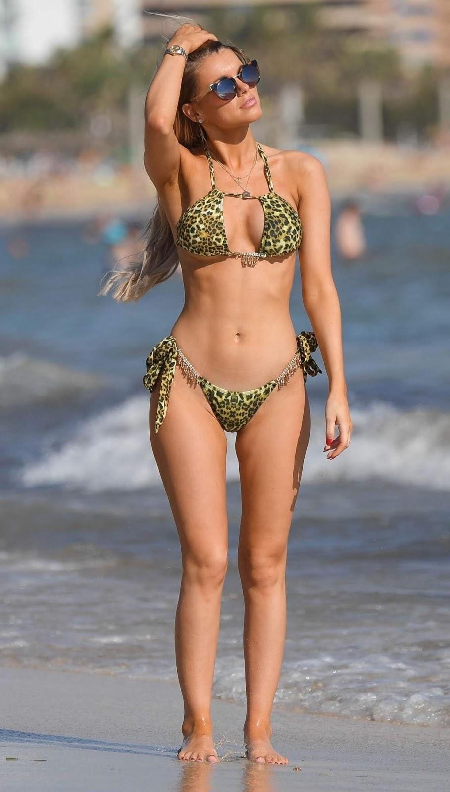 Hayley Hughes in a Bikini 11/20/2018