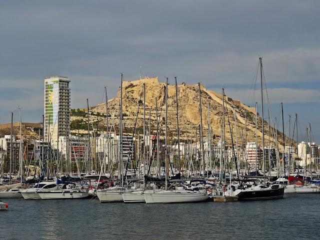 port jachtowy w Alicante co warto zobaczyć?