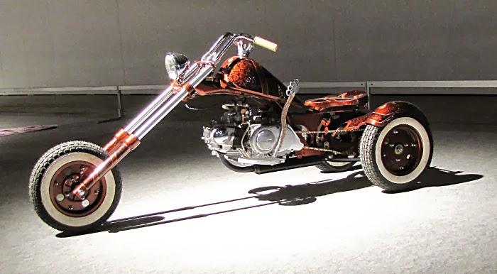 kolmipyöräinen moottoripyörä kolmipyörä prätkä rakenettu mopo custom chopper trike tricycle