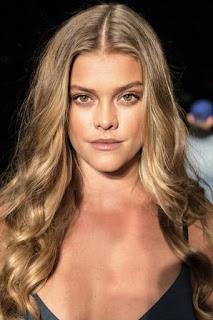 نينا اكدال (Nina Agdal)، عارضة أزياء دنماركية
