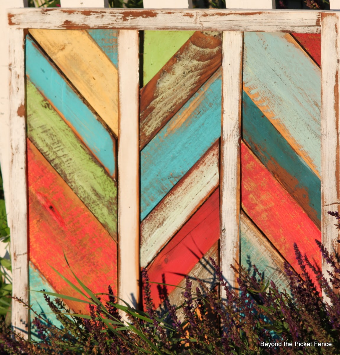 reclaimed wood art http://bec4-beyondthepicketfence.blogspot.com/2014/07/reclaimed-herringbone-art-and-tale-of.html