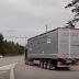 Μοναδικό εγχείρημα στη Σουηδία: Τα φορτηγά κινούνται σαν τα... τραμ (video)