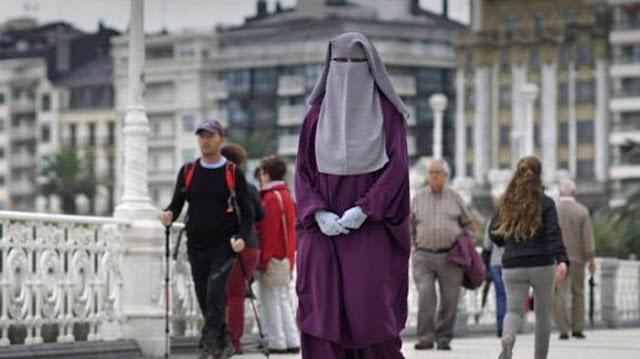 estudiante-musulmana-con-niqab-Euskadi-2