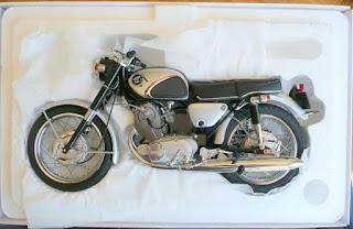 Jual Miniatur Honda CB72 Dream Super Sport  USA Superhawk