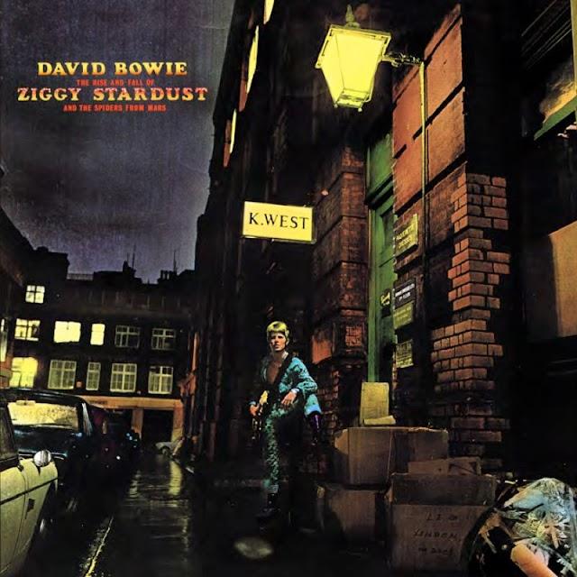Três novos títulos completam a série de lançamentos de David Bowie