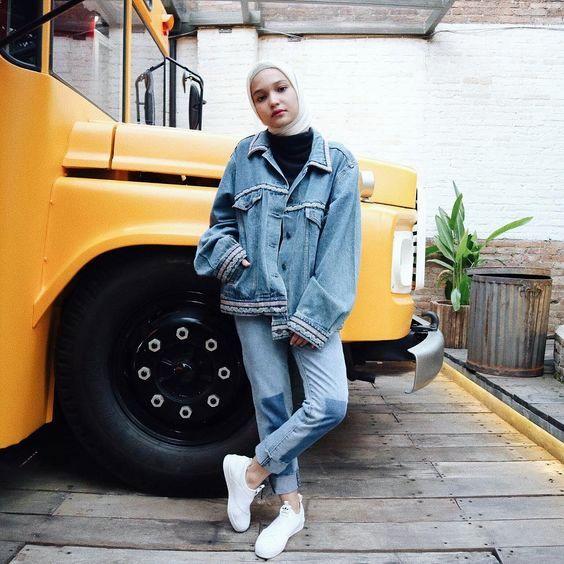 Wah, Ini Dia Tips Memadukan Jaket Jeans Anti bosan buat Para Hijabers, Simak ya guys !