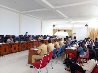 Soal Pengangkatan PNS, Puluhan Guru Honor Datangi DPRD