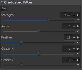 Graduated Filter of RawTherapee.
