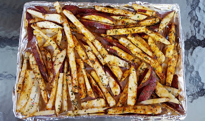 steak, fillet steak, steak recipe, saucy steak, steak pictures, food plating, food styling, food stylist,  sweet potato, sweet potato fries, potato fries, sweet potato fries recipe, pinterest, pinterest food, food, food blog, food blogger, foodie, side dish recipe, cooking video, spicy food, spicyfusionkitchen,