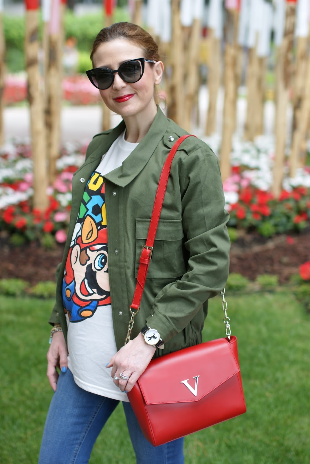 Moschino Super Moschino t-shirt with Super Mario bros, borsa Vittorio Virgili on Fashion and Cookies fashion blog, fashion blogger style