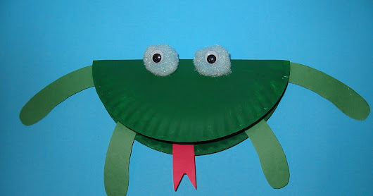 Paper Plate Frog for Summer Crafting