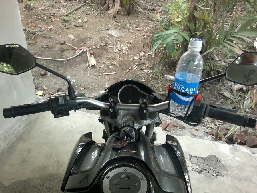 gambar holder botol minuman motor matic sport dan bebek
