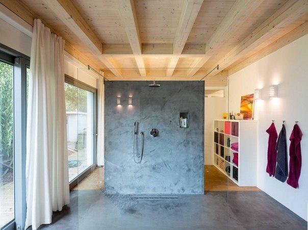 современная душевая комната