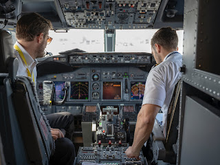 Airship pilots and flight engineers