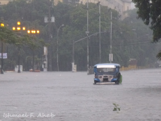 Stalled jeep because of Habagat floods