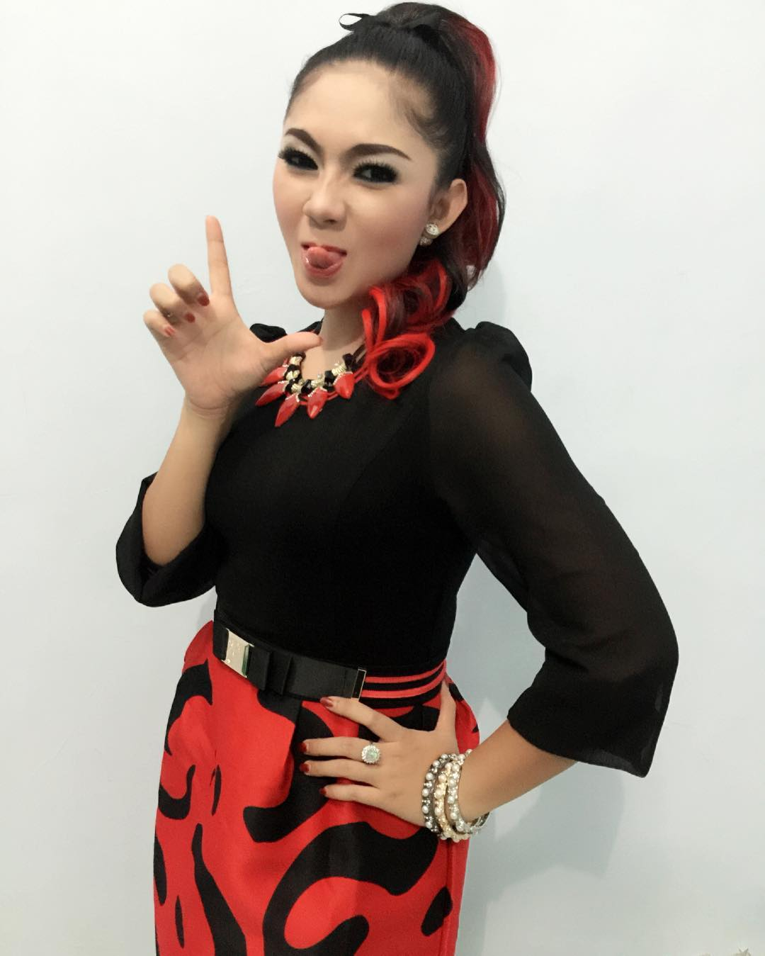 Download Kumpulan Foto Ratna Antika : Kiddle.ID