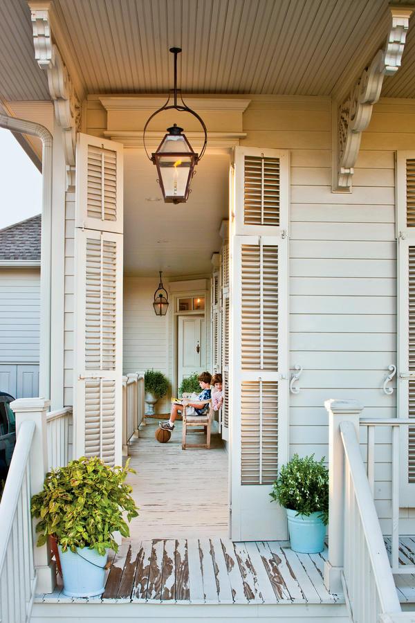 Un cottage creolo shabby chic a New Orleans veranda