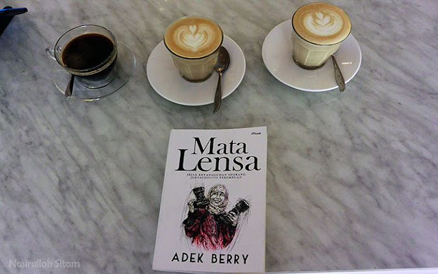 Koleksi pribadi buku Mata Lensa karya Adek Berry