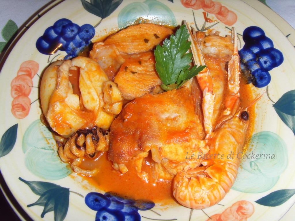 Le ricette di cockerina zuppa di pesce alla barese for Pesci con la e