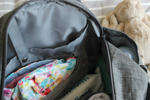 toTs Voyage Melange Changing Bag Review