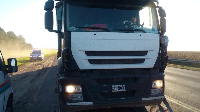 Camión Multado por venir pasado en 5 toneladas