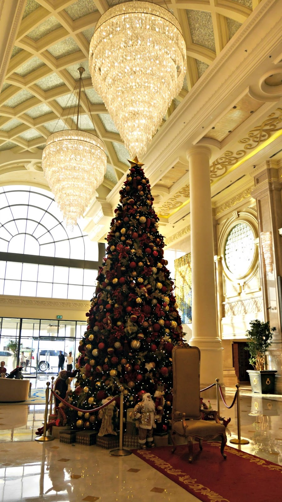 Ritz-Carlton Abu Dhabi Resort at Christmas