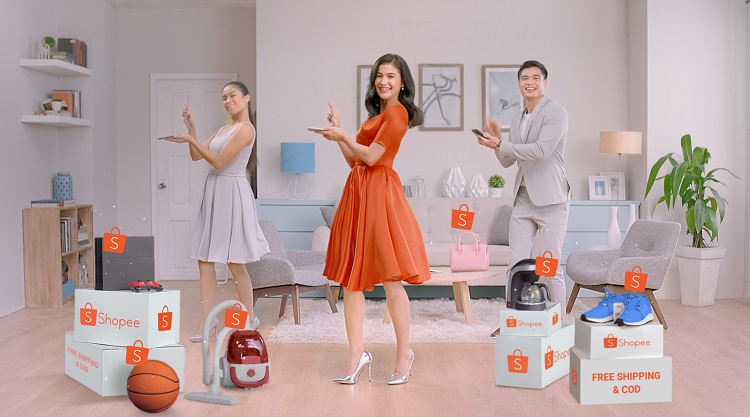 Anne Curtis also graced the grand launch to do the Shopee Dance!