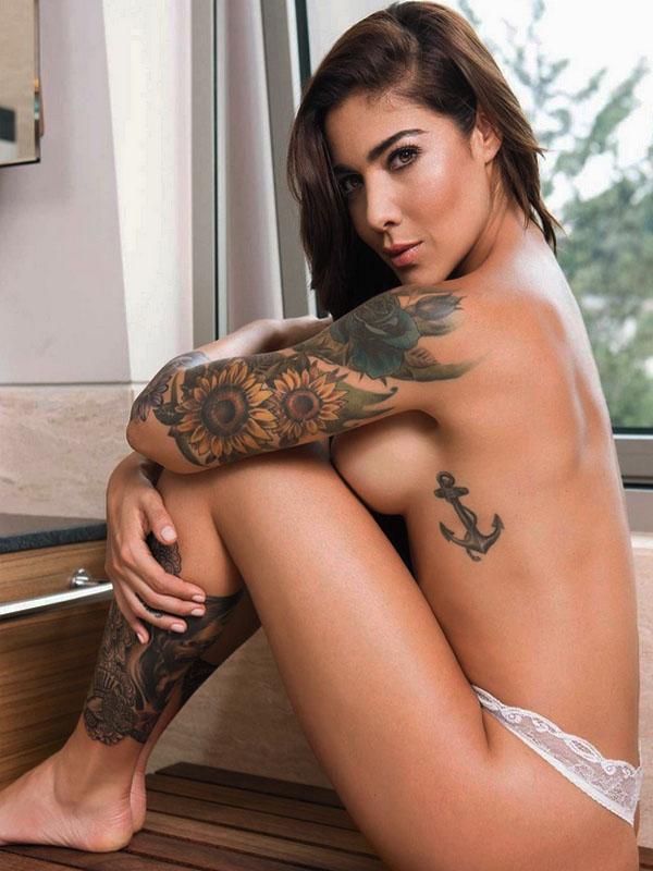 fotos topless de erika fernandez