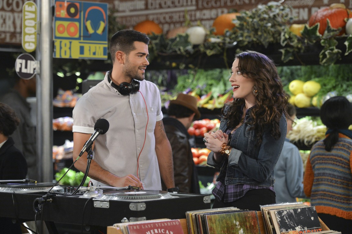 2 Broke Girls - Season 4 Episode 02: And the DJ Face