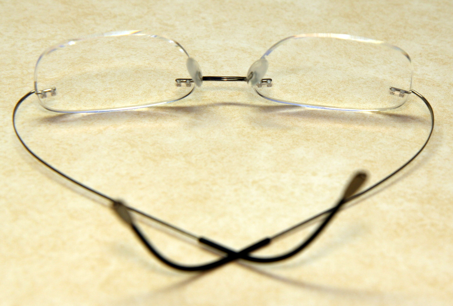 how to fix glasses missing nose