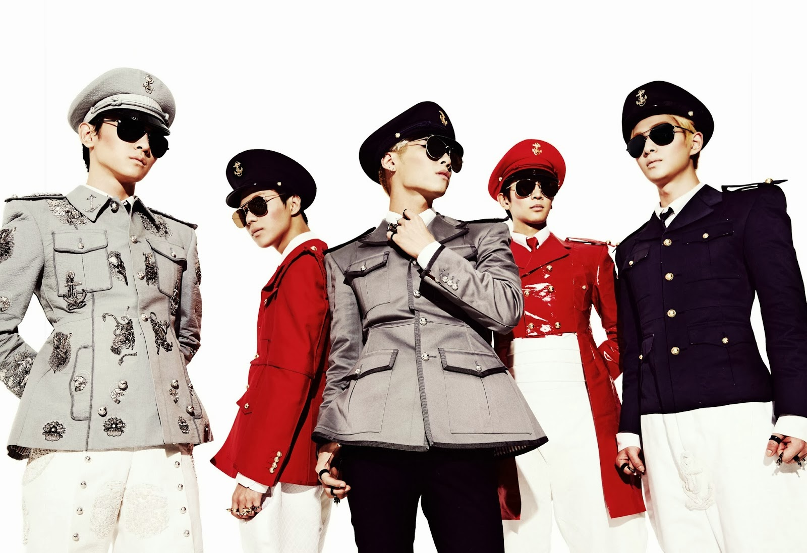 My little world: Everybody wake up because SHINee's back!!