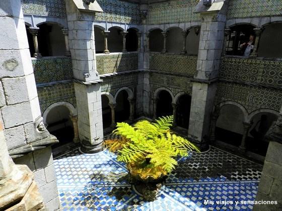 Claustro del Palacio da Pena, Sintra, Portugal