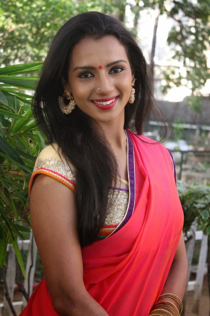 Indian Girl Beautiful Wallpaper Shruthi Hariharan Hot And Spicy Stills Hd Latest Tamil