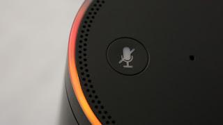 Perché Alexa si illumina di arancione?