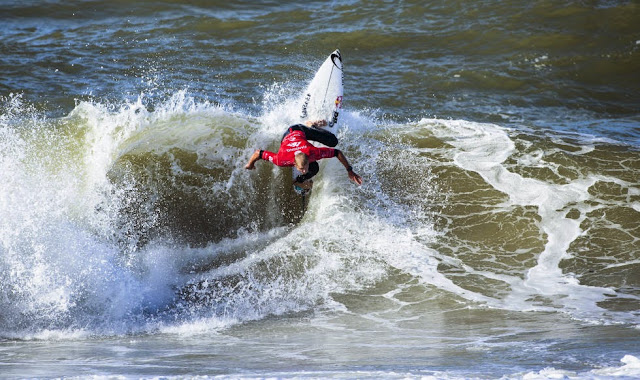 17 2014 Moche Rip Curl Pro Portugal Mick Fanning AUS Foto ASP Damien%2B Poullenot Aquashot