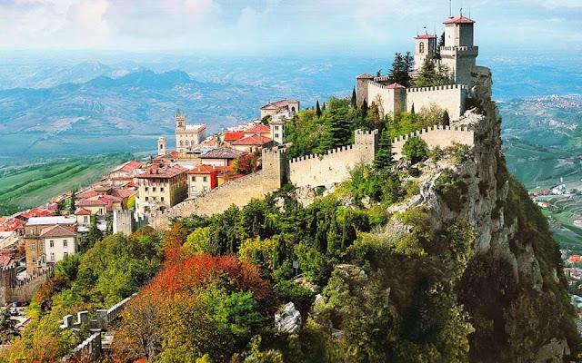 Torre na cidade de San Marino