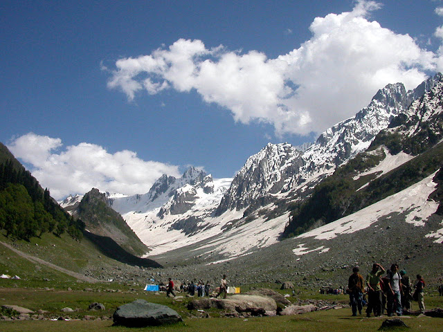 Amarnath Yatra: Travel to the Ice Cave of Shiva images