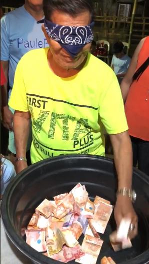 WATCH: Bagong pausong palaro Ngayong Darating Na Pasko Patok sa Netizen.