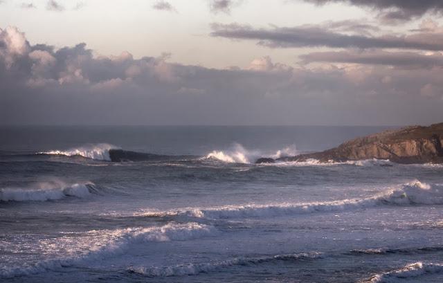 Fistral Beach, waves, coastline