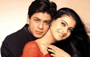 Romantic Love status for girlfriend and boyfriend in Hindi